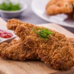 This classic crispy chicken katsu is easy to make. Try make it by yourself at home and the ingredients are quite simple.