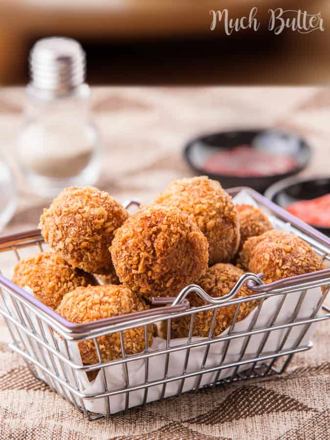 Spicy Chicken Balls, a copycat from famous fast food restaurant that turned out more delicious than the original. More tasty than chicken nugget packages from supermarket!