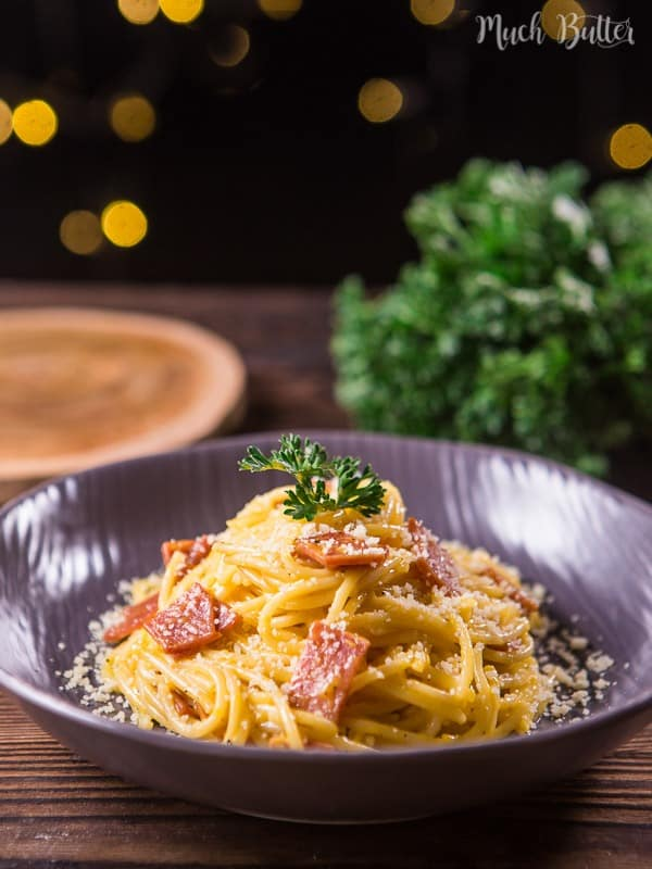 Smoked beef spaghetti carbonara is classic pasta dish for people that can't eat pork product. The pancetta is replaced by smoked beef. It's still very delicious.