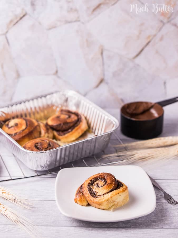 Nutella roll buns are perfect for your desserts. Chocolate, hazelnut, and soft warm bun. Yum!
