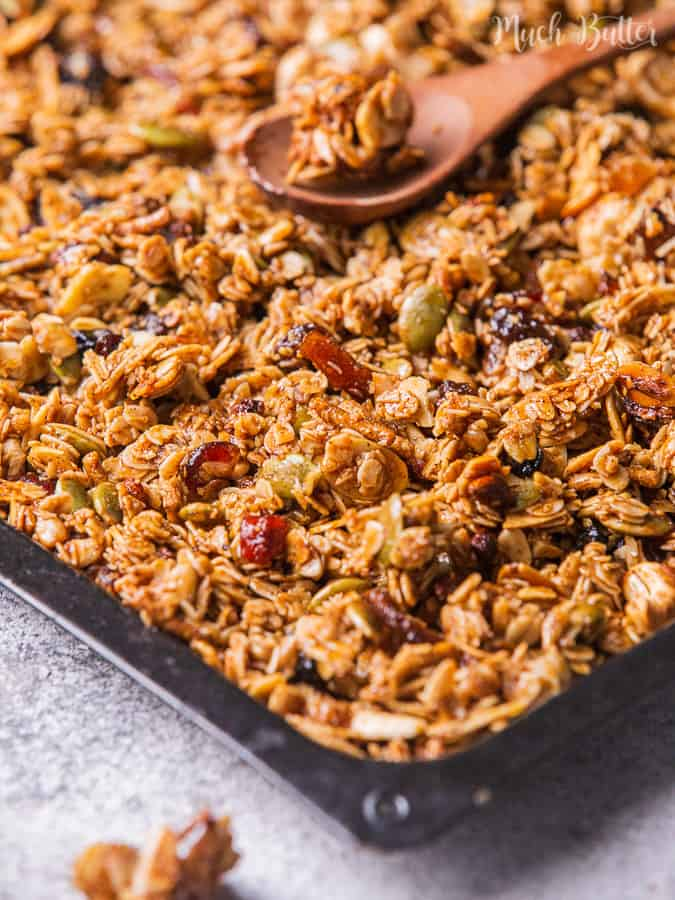 I'm in the mood for healthier food like this granola. This snack is a mixture of fruits, nuts, and granola. It is popular with people who find a simple healthy breakfast or healthy snack. So, we made it at home. It is so simple, tasty, and a light snack.