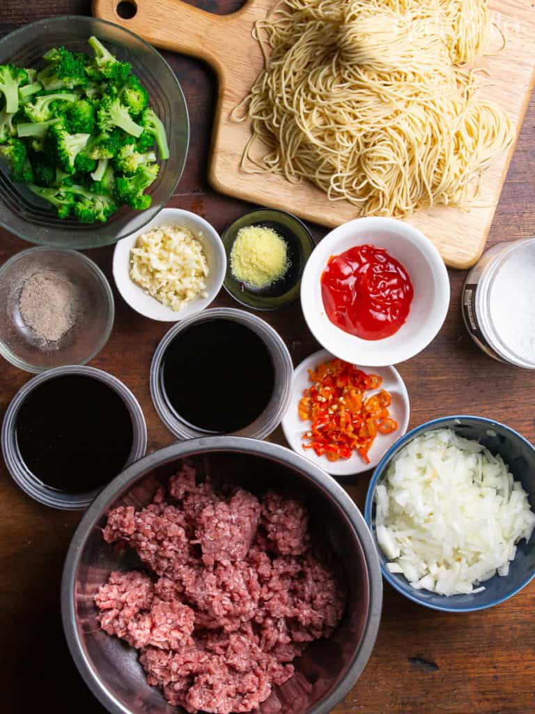 Beef Ramen Stir Fry is easy and budget friendly meal! Inspired by the Mongolian Beef recipe, it uses ramen noodles, ground beef, vegetables, and a savory stir fry sauce. It is a simple and fast flavor-packed menu to enjoy with family after busy days.