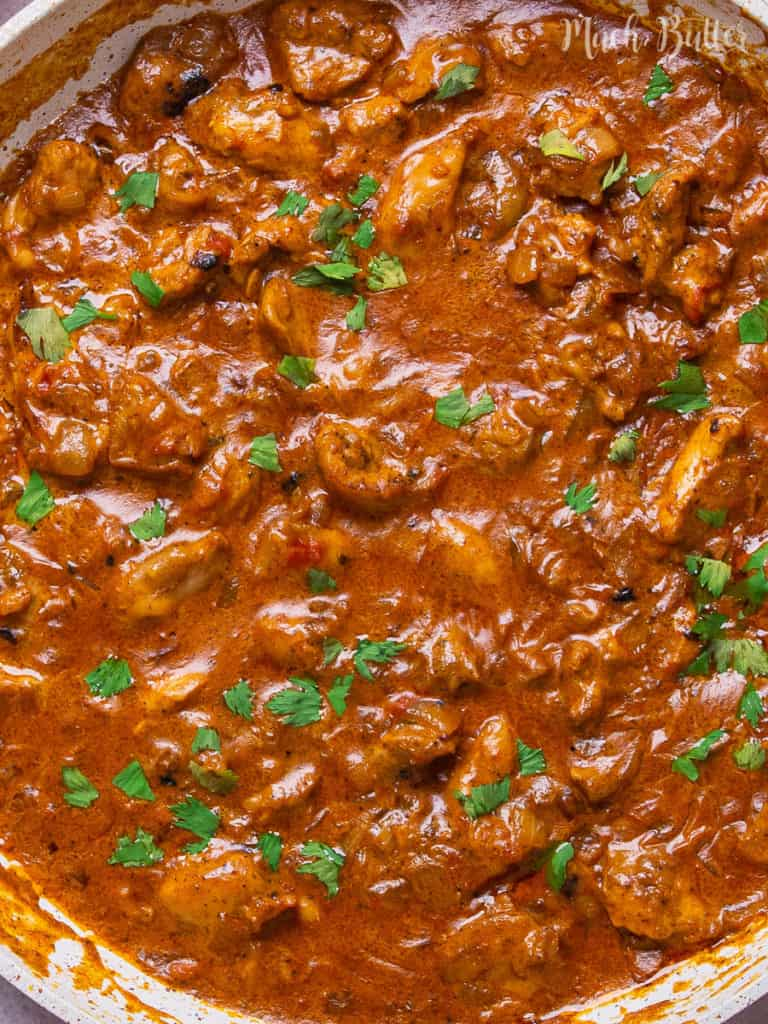 Are you hungry for an Indian bold and creamy spices menu? Try chicken tikka masala! It won't hurt everyone because the perfect combination of marinated tenderizing chicken yogurt with curry tomato sauce. Tasty and tempting orange cuisine!