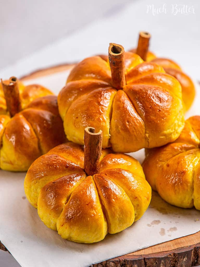Let's make Pumpkin Bun. A beautiful bright color appetizer for your Halloween. It is so light, fluffy, moist, and mouthwatering!